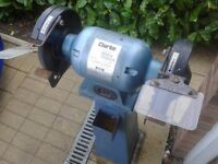 "Clarke CBG-8RS. 8"" 200mm Free Standing Bench Grinder, working"