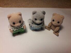 Sylvanian charactera: 3 baby bears