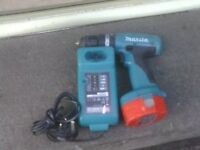 MAKITA CORDLESS DRILL WITH CHARGER £30