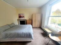 1 bedroom in Florence Road, London, W5 (#1229787)