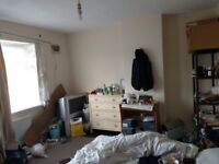 Room to let double bed size. Bills Inc.