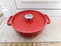 Pyrex Red Slow Cook Round Cast Iron 3.6L Casserole Pan Ovenware Dish, £18