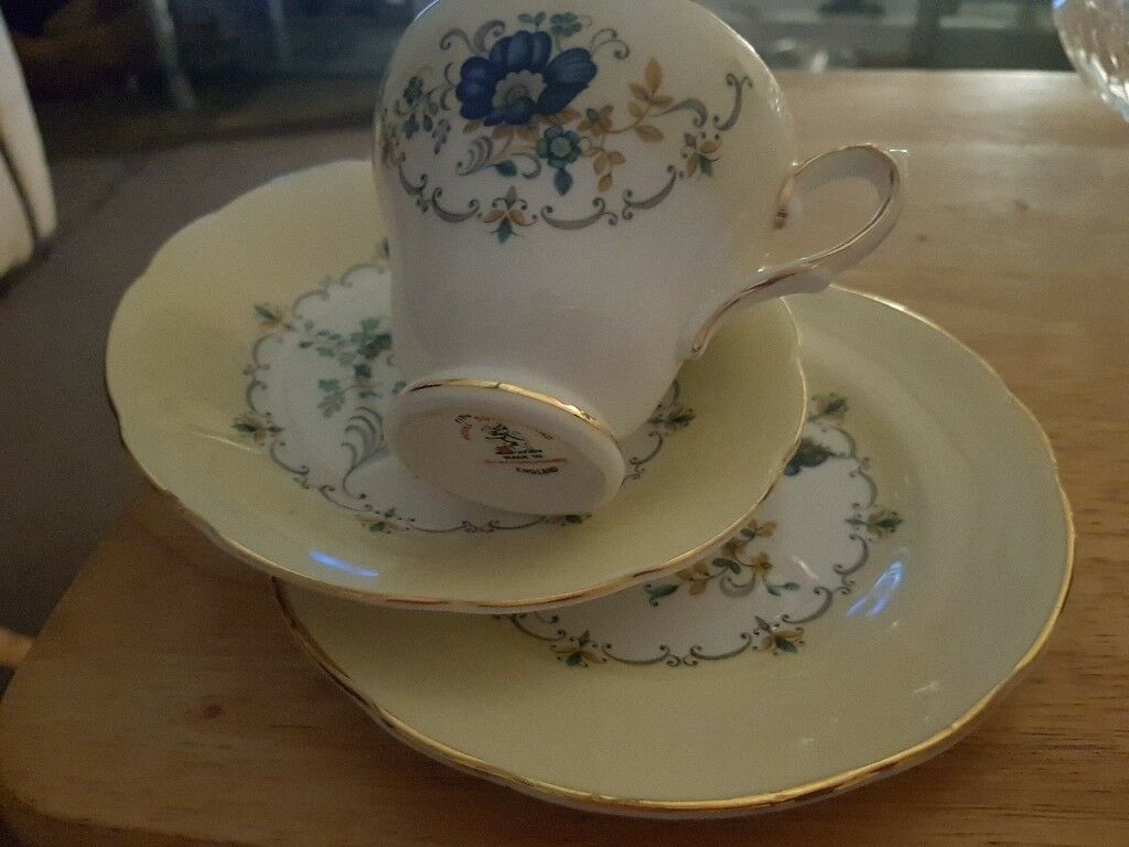 Chine bone tea set
