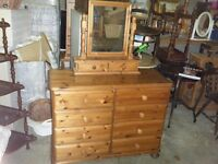 chest of drawers/ side board