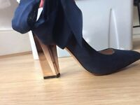 True Decadence navy rose gold copper heels size 5