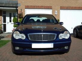 Mercedes C180K Elegance SE AUTO ** low miles**