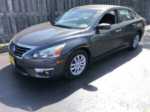 2013 Nissan Altima 2.5 S, Automatic, Bluetooth, Only 58, 000km