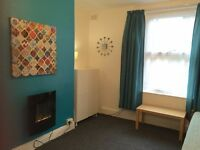 ***BEAUTIFUL ONE BED/STUDIO APARTMENT WALKING DISTANCE CITY CENTRE***