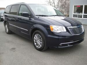 2015 Chrysler Town & Country Touring-L CUIR BLUETHOOT CAMERA MAG