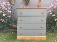 4 drawer pine chest of drawers.