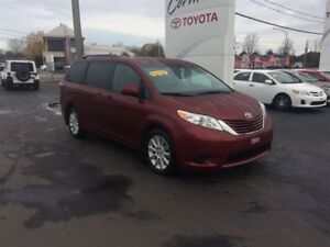 2015 Toyota Sienna LE 7 Passenger, ALL WEEL DRIVE, 4X4