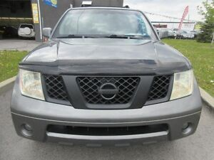 2006 Nissan Pathfinder 7 passagers, toit mags, tres propre