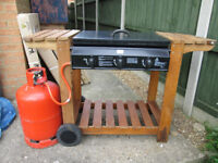 BLOOMA DARWIN OUTDOOR GAS BARBECUE - HARDLY USED