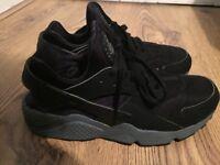 Nike Air Huaraches black/gray size 8