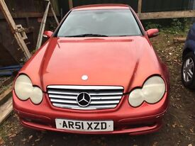 Mercedes c class kompressor red / orange 2.0 petrol automatic breaking for parts / spares