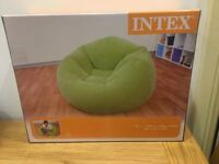 Inflatable arm chair