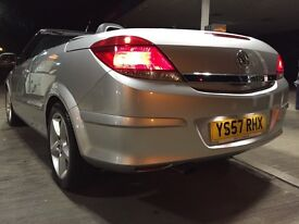 Immaculate Astra twintop 1.8 sport hard top convertible great for all year round