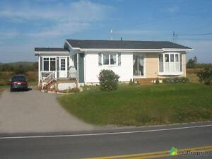 159 900$ - Bungalow à vendre à Gaspé