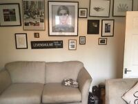 Room to rent in GAY houseshare 2 mins Levenshulme Station/A6 192 Nightbus route