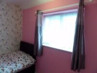 STUNNING SINGLE ROOM AVAIL NOW IN HEATHROW 120 PW