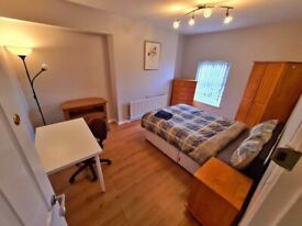 ** DUPLEX 3 BED SERVICED APARTMENT TO RENT OFF ANTRIM ROAD **