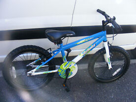 "BOYS 18"" WHEEL BIKE IN GREAT WORKING ORDER HARDLY USED AGE 5+"