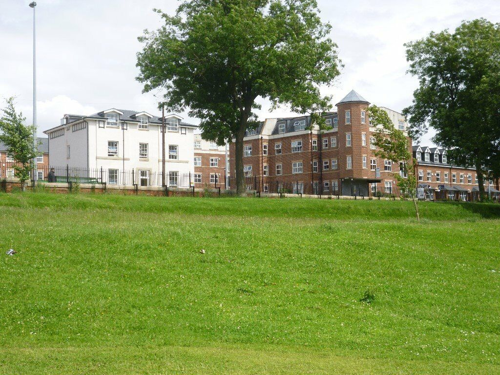 Beautiful, spacious, furnished, 1 bedroom, 2nd floor apartment, overlooks park, secure parking, lift