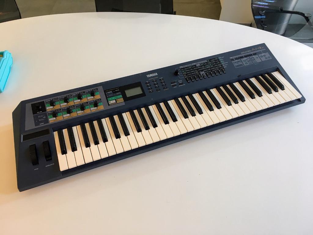 Yamaha AN1x analogue modelling synthesizer