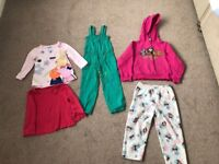 Bundle of girls clothes aged 2-4 years old