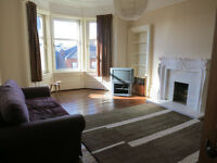 Glasgow West End 2 bedroom flat for rent, top floor, bright and spacious, £775 pcm