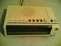 Panasonic RC-6050 Vintage Style Electronic Clock Radio (Cream)