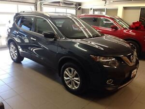2016 Nissan Rogue SV/ 1 OWNER LOCAL TRADE!!!