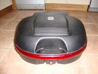KAPPA TOPBOX. Excellent condition. Fits Givi Monokey rack. Probably 44litre, fitted with backrest.