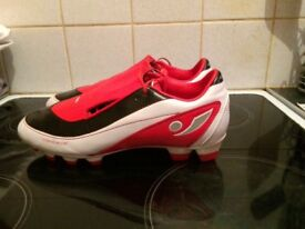 Concave football boots size 8