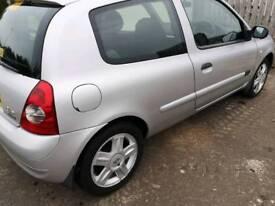 Renault clio 06 sport 10mot