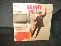 A BENNY HILL VINYL LP 1971 IN GOOD CONDITION