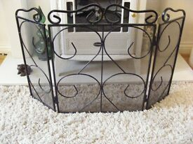 FIRE SCREEN DECORATIVE BLACK WROUGHT IRON