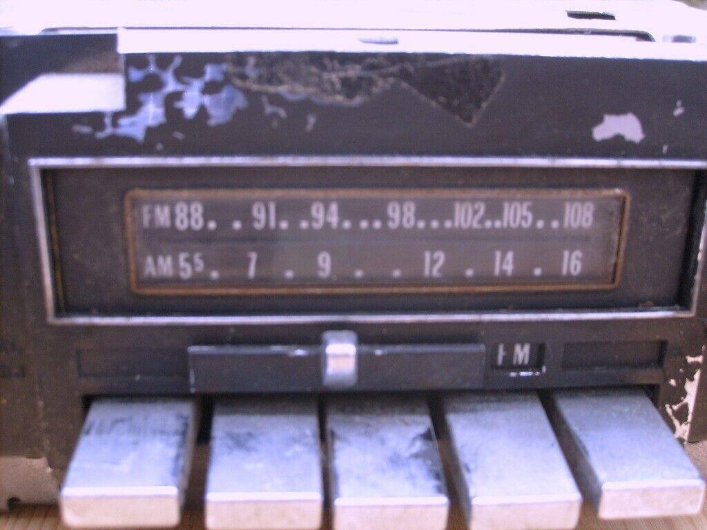Autoradio mit 8-Spur Cassettenteil