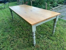 Large 8ft Solid Oak Farmhouse Dining Table. Fantastic large solid oak table.