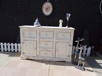 VINTAGE STYLE SOLID PINE FARMHOUSE SIDEBOARD WITH LOADS OF STORAGE PAINTED IN CREAM