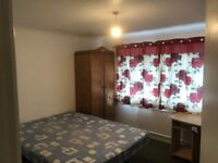 Chelmsford- furnished Double Master Bedroom