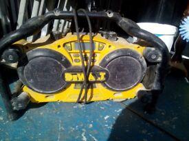 DeWalt radio us 110v