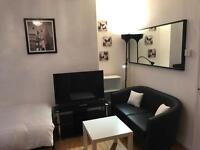 Stylish Twin Room With LCD TV For 2 People In Hornsey