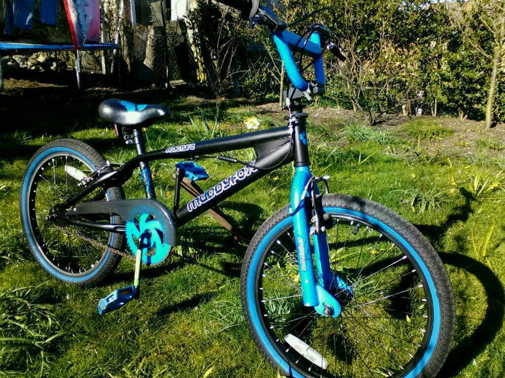 """Bmx bike 20""""wheels sizein Ipswich, SuffolkGumtree - Bmx 360 as new 60onoTheMuddyfox BMXhas a durable freestyle frame, fitted with powerful V brakes and a 360 degree Gyro. ThisBMX bikealso features a bmx saddle, platform pedals and coloured sidewall tyres!Ip39es"""