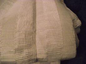2 white single bedspreads