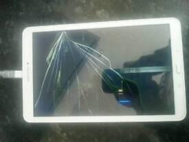 """Samsung tab e 9.6"""" lcd broken"""