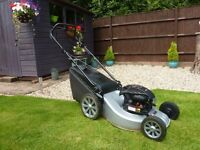 SELF PROPELLED LAWNMOWER WITH BRIGGS AND STRATTON ENGINE