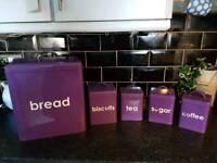 Kitchen storage tins set