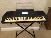 Large Technics SX- KN1500 electric keyboard.