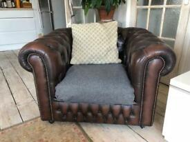 Brown leather chesterfield style arm-chair FREE DELIVERY in Brighton area